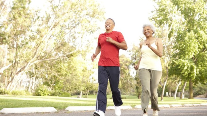 senior couple experiences healthy lifespan